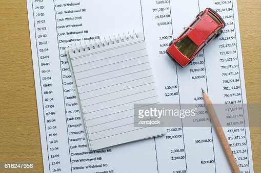Man planning monthly budget, Finance about car concept : Stock Photo