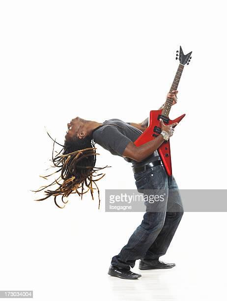 Mann spielt E-Gitarre