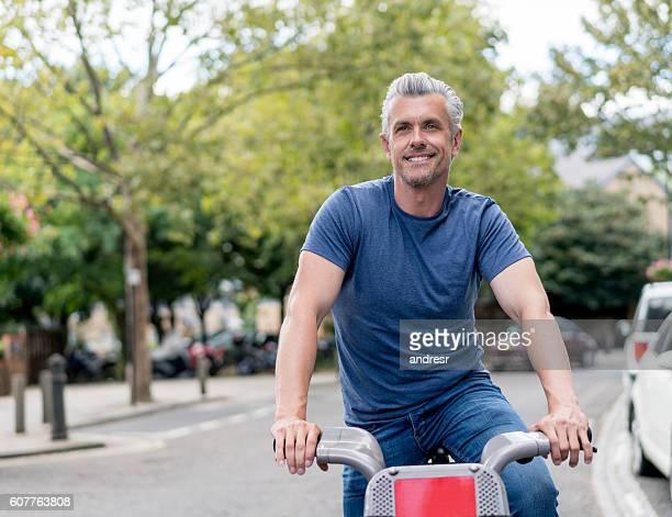 Man renting a bike in London