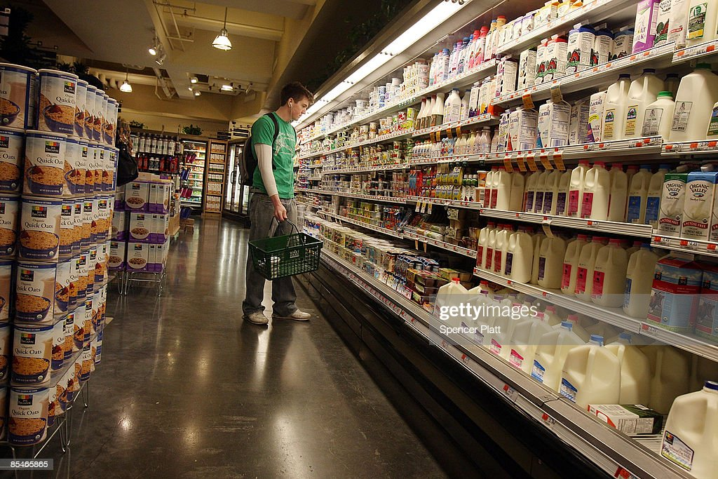 A man shops a t Manhattan grocery store March 17, 2009 in New York City. The Labor Department reported Tuesday a big decline in food prices. Food costs have now fallen for three straight months, declining 1.6 percent in February, the biggest one-month decline in three years.