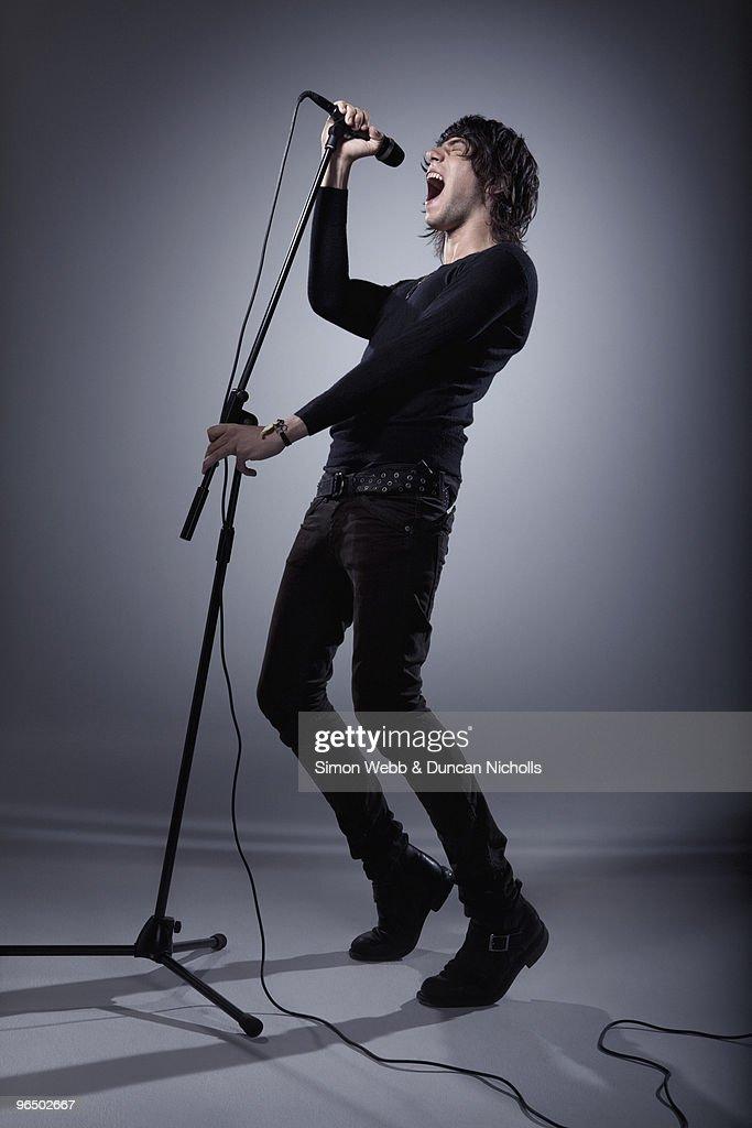 Man singing : Stock Photo