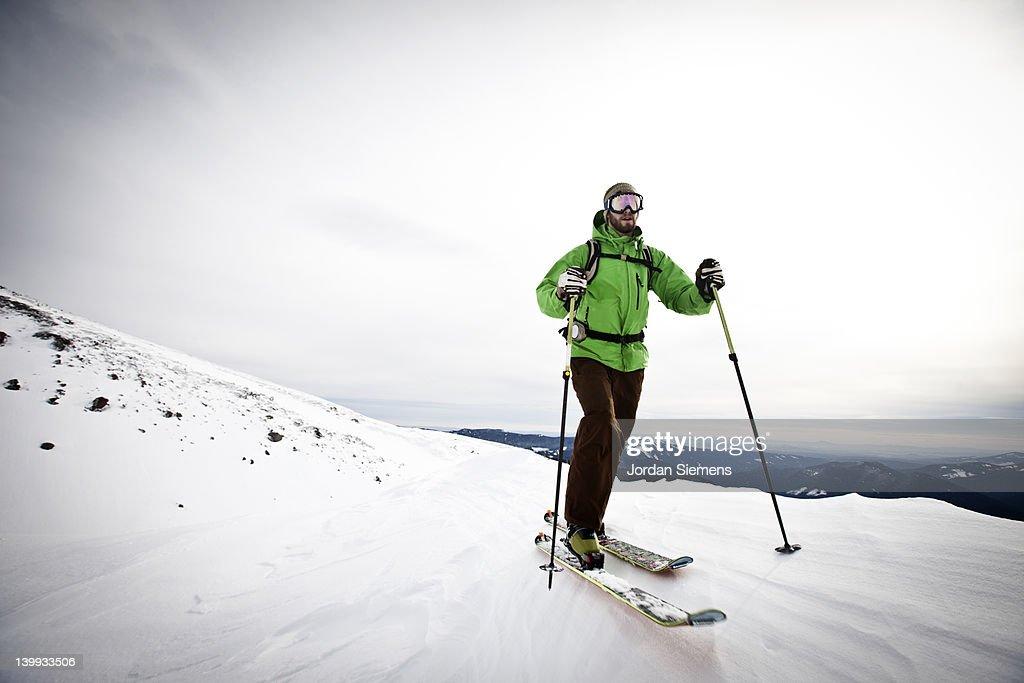 A man skiing.