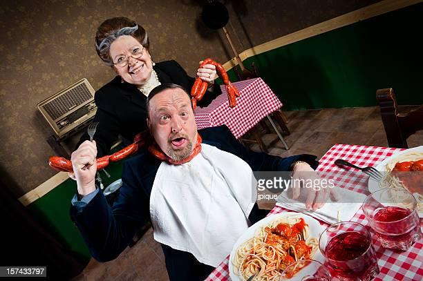 Uomo con sua moglie strangled
