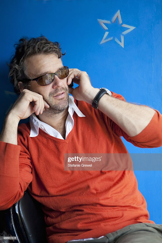 Man talking on cell phone : Stock Photo