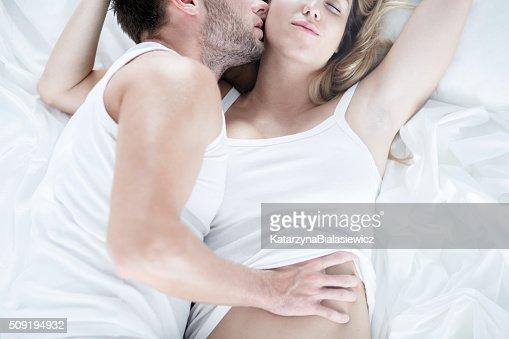 男 触れないようにソフトな妻 : ストックフォト