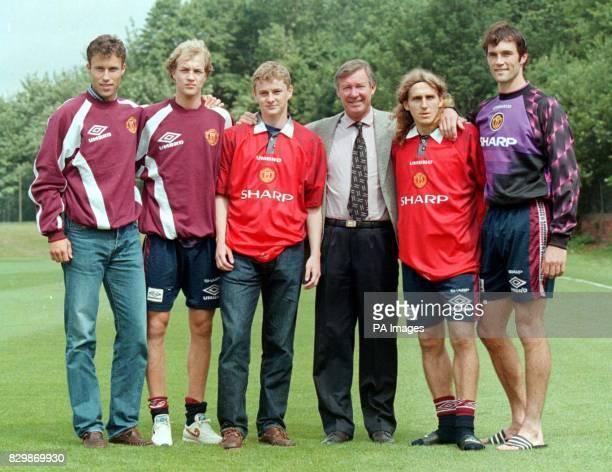 Man Utd introduce their summer signings L to R Ronnie Johnsen Jordi Cruyff Ole Solskjaer Manager Alex Ferguson Karol Poborsky and Ronnie Van Der Gouw...