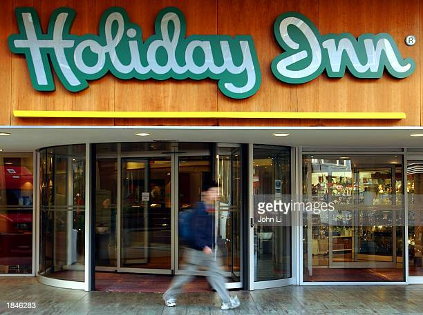 holiday inn six continents 55 holiday inn on six continents summary of chapter closing case samsung changes its business model again and again.