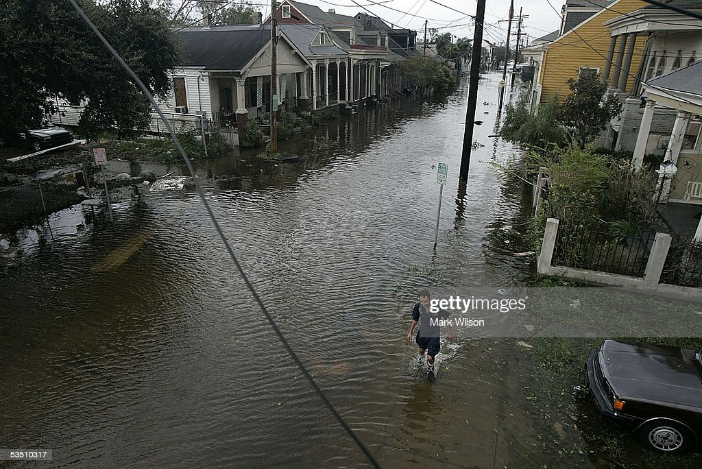 after Hurricane Katrina hit the area August 29, 2005 in New Orleans ...