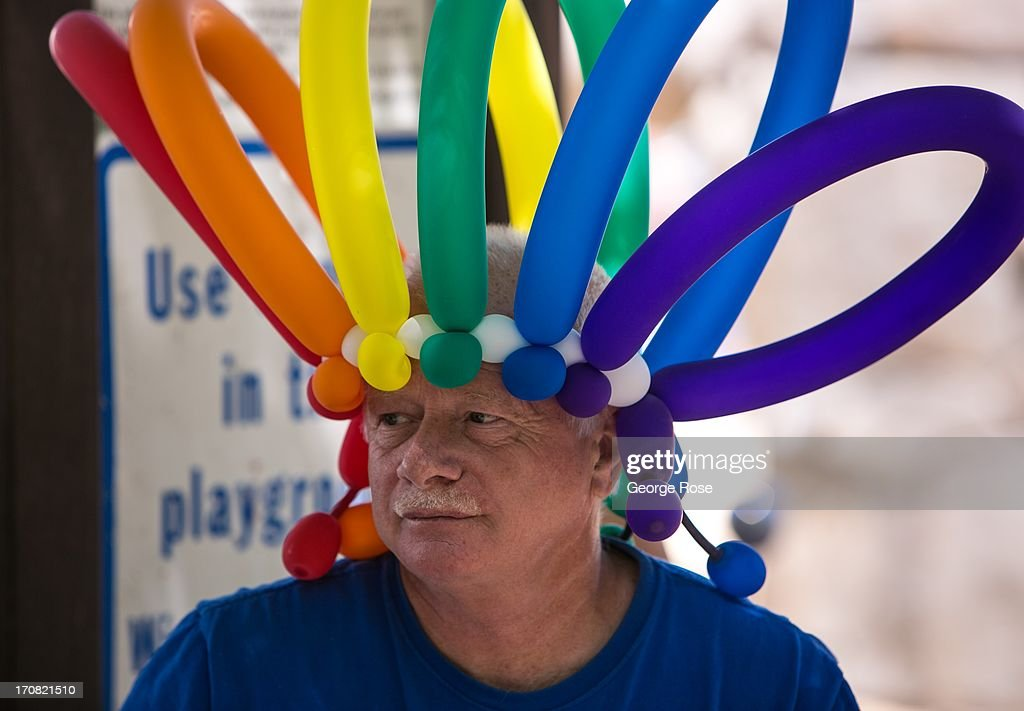 A man wears a balloon hat as the first Aspen Food Wine Classic Grand Tasting gets underway on June 14 in Aspen Colorado The 31st Annual Food Wine...