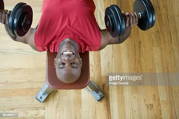 A man weightlifting