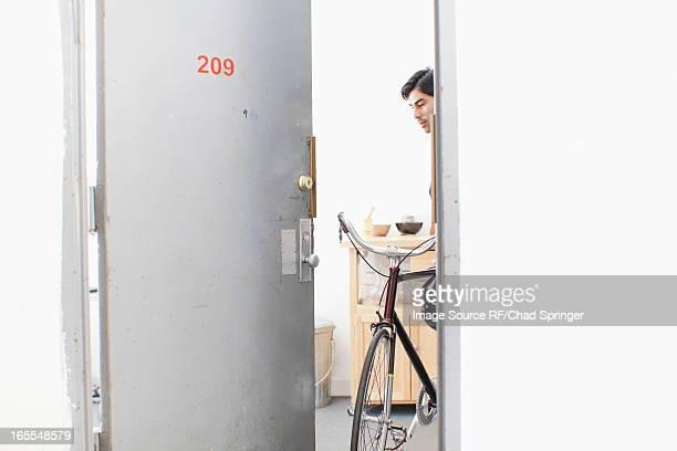 V 233 Lo Appartement Photos Et Images De Collection Getty Images
