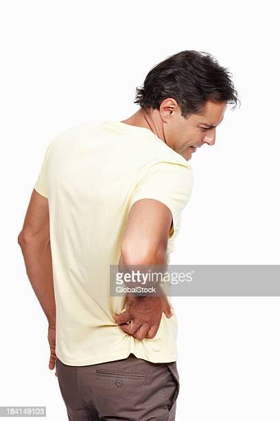 Homme avec maux de dos