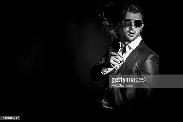 Mann mit einer Zigarre