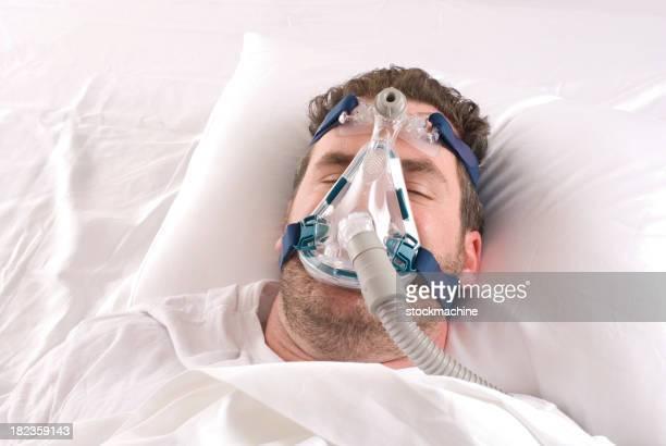 Hombre con trastorno del sueño