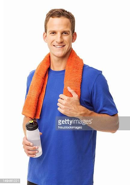 Homme avec une serviette et bouteille d'eau-isolé