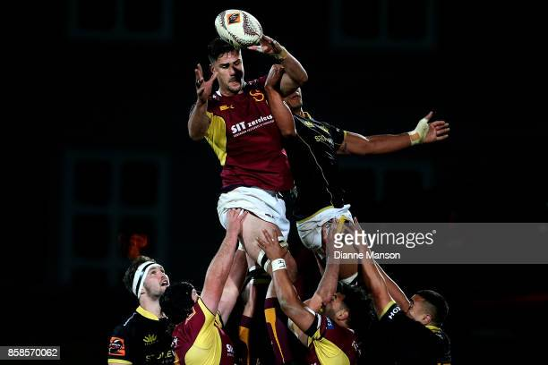 Manaaki SelbyRickit of Southland secures the lineout ball during the round eight Mitre 10 Cup match between Southland and Wellington at Rugby Park...