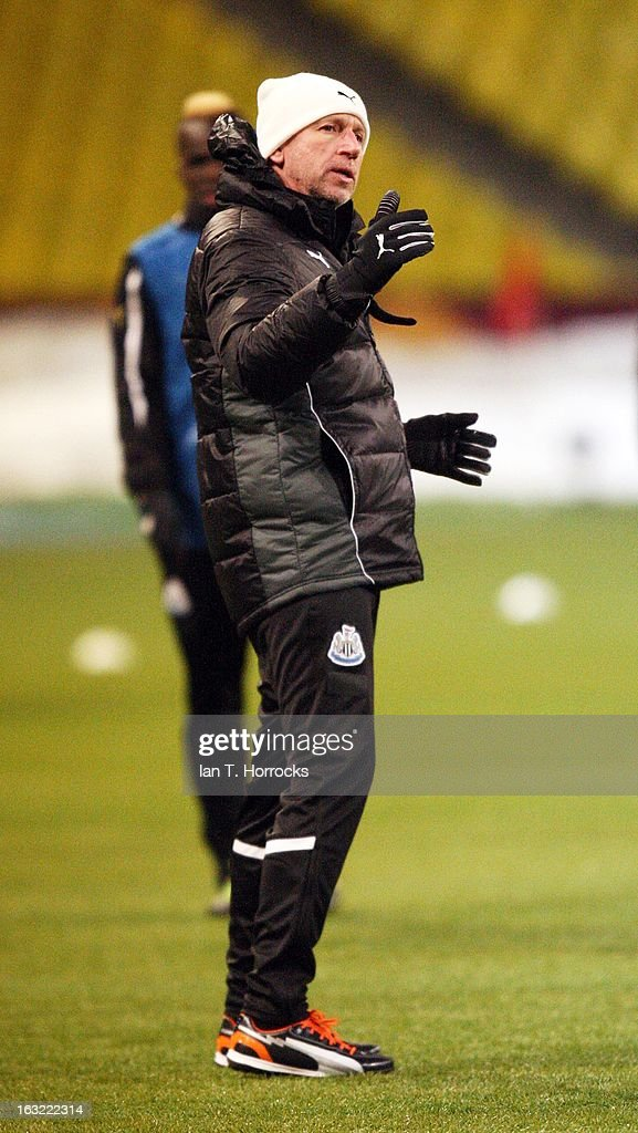 Manager <a gi-track='captionPersonalityLinkClicked' href=/galleries/search?phrase=Alan+Pardew&family=editorial&specificpeople=171147 ng-click='$event.stopPropagation()'>Alan Pardew</a> of Newcastle United oversees a training session ahead of the UEFA Europa League round of 16 first leg match against Anzhi Makhachkala at the Luzhniki Stadium in Moscow, Russia .