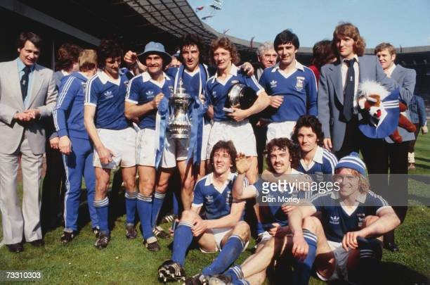 Manager Bobby Robson left with his team after their 10 victory over Arsenal in the 1978 F A Cup final at Wembley Stadium London 6th May 1978 The Team...