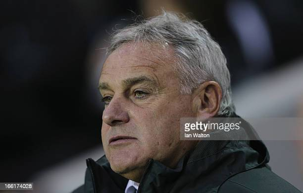 Manager Dave Jones of Sheffield Wednesday looks on during the npower Championship match between Millwall and Sheffield Wednesday at The New Den on...
