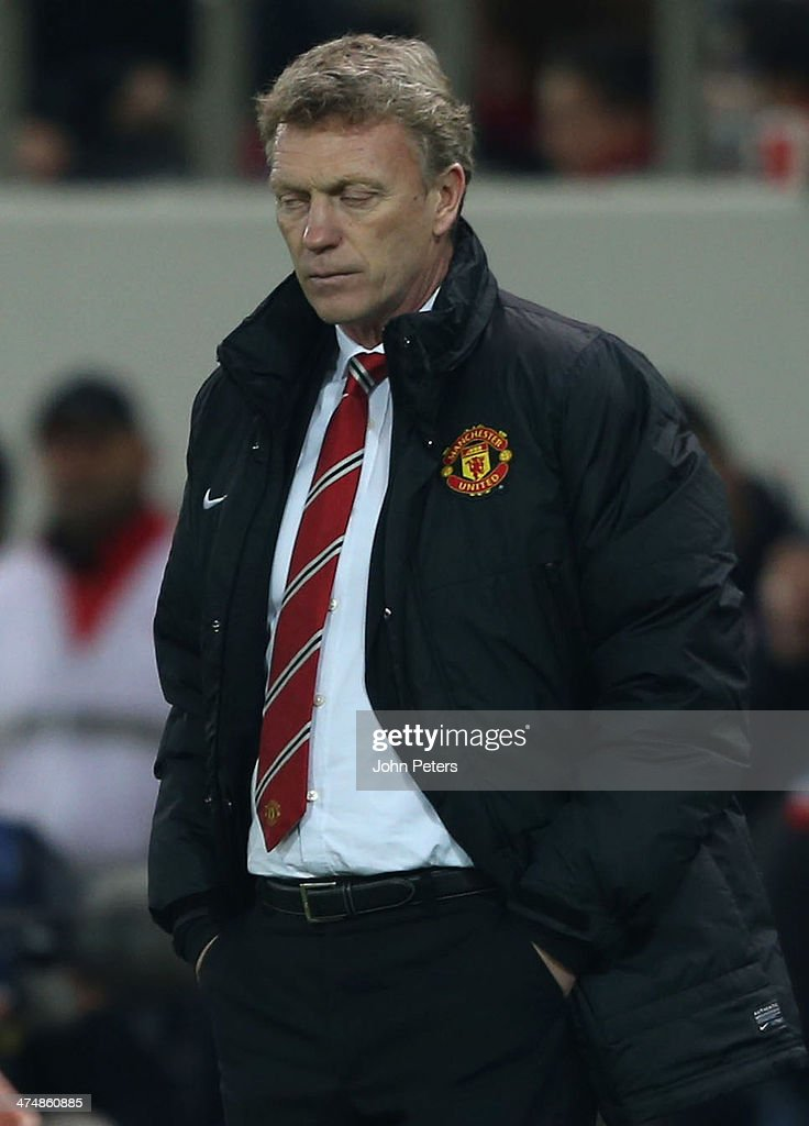 Manager David Moyes of Manchester United watches from the touchline during the UEFA Champions League Round of 16 match between Olympiacos FC and Manchester United at Karaiskakis Stadium on February 25, 2014 in Piraeus, Greece.
