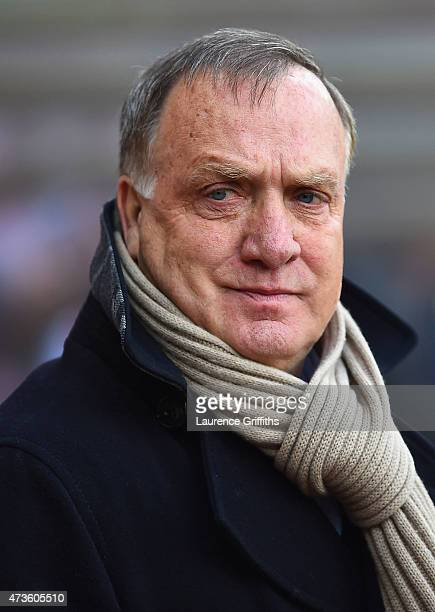 Manager Dick Advocaat of Sunderland looks on during the Barclays Premier League match between Sunderland and Leicester City at Stadium of Light on...