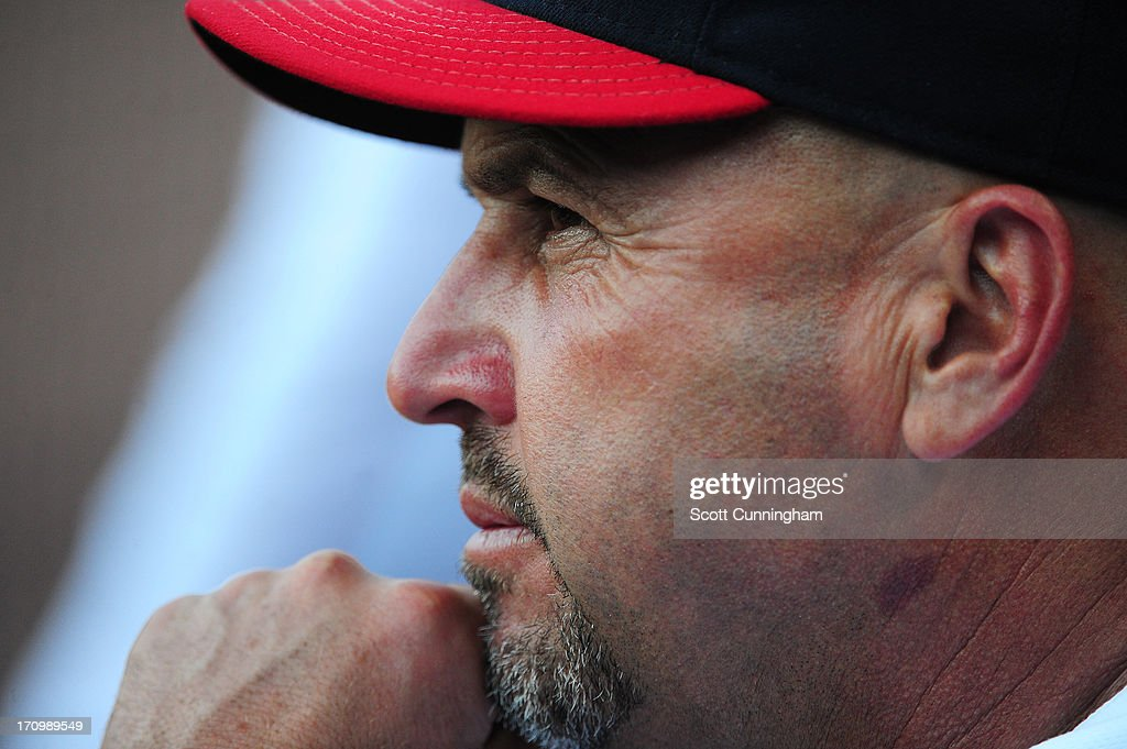 Manager <a gi-track='captionPersonalityLinkClicked' href=/galleries/search?phrase=Fredi+Gonzalez&family=editorial&specificpeople=686896 ng-click='$event.stopPropagation()'>Fredi Gonzalez</a> #33 of the Atlanta Braves watches the action against the New York Mets at Turner Field on June 20, 2013 in Atlanta, Georgia.