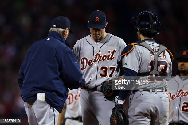 Manager Jim Leyland relieves Max Scherzer of the Detroit Tigers in the seventh inning against the Boston Red Sox during Game Six of the American...