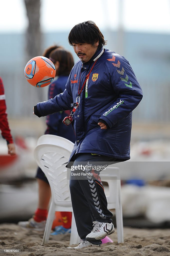 Manager Kei Hoshikawa of INAC Kobe Leonessa Ladies controls the ball during a training session at the Club Natacion Barcelona sport complex in La Barceloneta beach on February 5, 2012 in Barcelona, Spain.