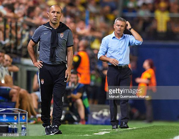 Manager Leonardo Jardim of AS Monaco looks on during the UEFA Champions League playoff first leg match between Villarreal CF and AS Monaco at El...