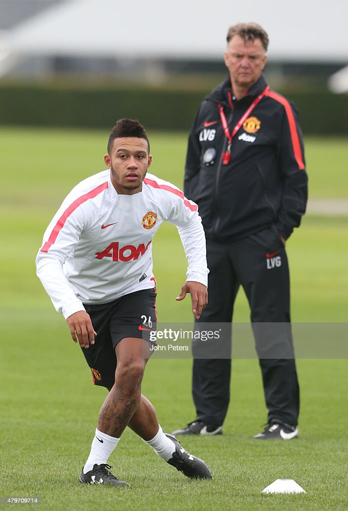 Memphis depay s first manchester united training session getty