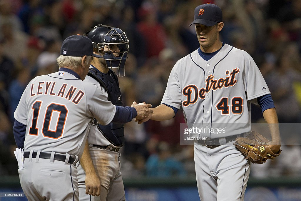 Manager manager <a gi-track='captionPersonalityLinkClicked' href=/galleries/search?phrase=Jim+Leyland&family=editorial&specificpeople=239038 ng-click='$event.stopPropagation()'>Jim Leyland</a> #10 takes starting pitcher <a gi-track='captionPersonalityLinkClicked' href=/galleries/search?phrase=Rick+Porcello&family=editorial&specificpeople=4495644 ng-click='$event.stopPropagation()'>Rick Porcello</a> #48 of the Detroit Tigers out of the game during the sixth inning after he gave up two runs at Progressive Field on May 22, 2012 in Cleveland, Ohio.