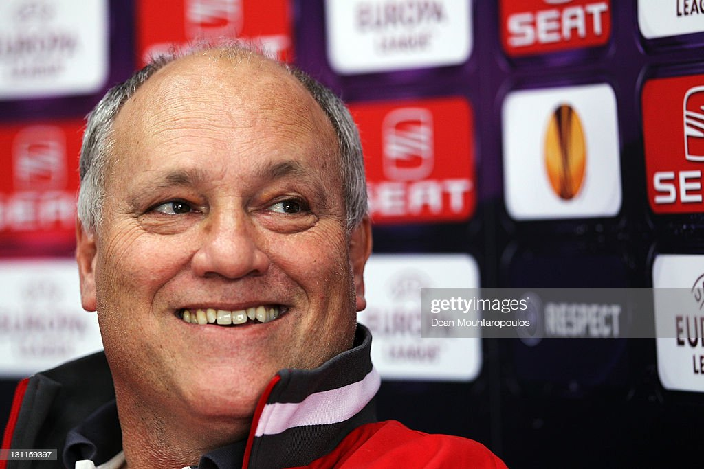 Manager <a gi-track='captionPersonalityLinkClicked' href=/galleries/search?phrase=Martin+Jol&family=editorial&specificpeople=215368 ng-click='$event.stopPropagation()'>Martin Jol</a> speaks to the media during the Fulham Press Conference ahead of their UEFA Europa League group K match against Wisla Krakow at the Motspur Park Fulham Training Ground on November 2, 2011 in London, England.