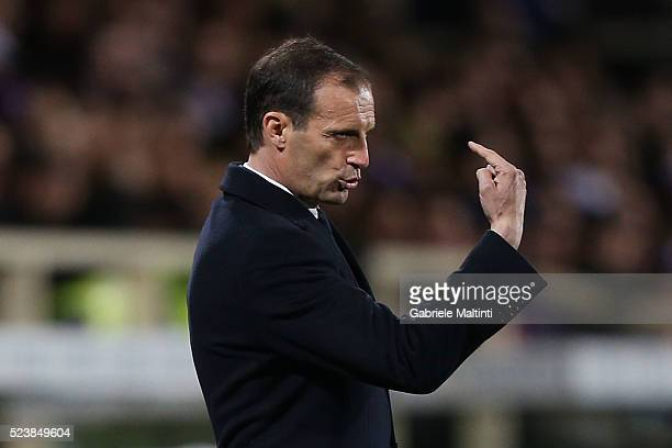 Manager Massimiliano Allegri of Juventus FC issues instructions during the Serie A match between ACF Fiorentina and Juventus FC at Stadio Artemio...
