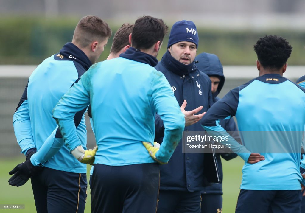 Manager Mauricio Pochettino talks to his playesr during the Tottenham Hotspur Training Session on February 8, 2017 in Enfield, England.