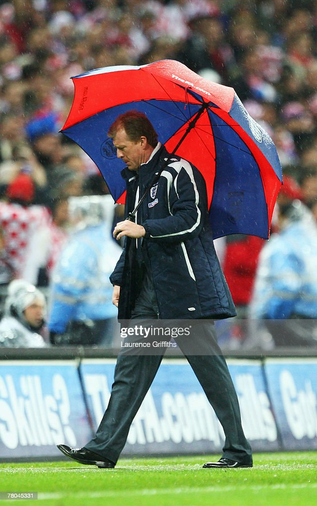Manager of England Steve McClaren looks dejected during the Euro 2008 Group E qualifying match between England and Croatia at Wembley Stadium on November 21, 2007 in London, England.