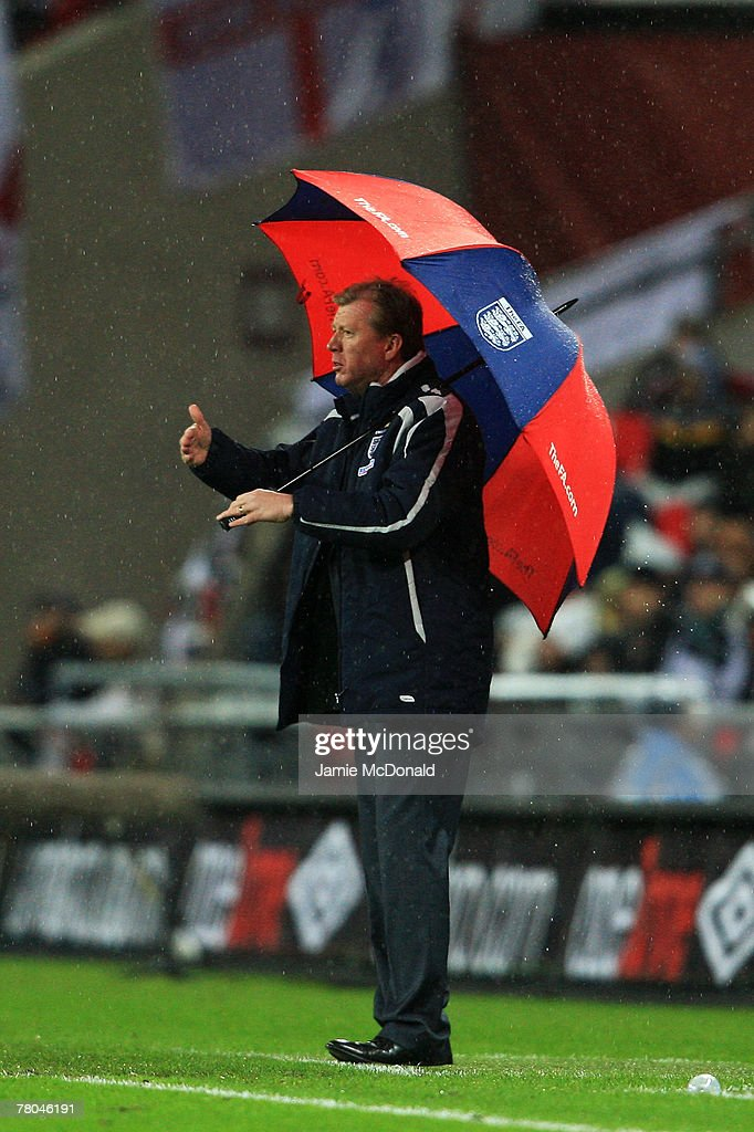 Manager of England Steve McClaren looks on from the touchline during the Euro 2008 Group E qualifying match between England and Croatia at Wembley Stadium on November 21, 2007 in London, England.