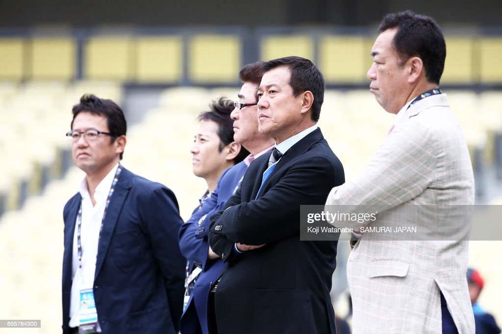 Manager of Team Japan former Manager Tatunori Hara (R2) looks on during a training session ahead of the World Baseball Classic Championship Round at Dodger Stadium on March 20, 2017 in Los Angeles, California.