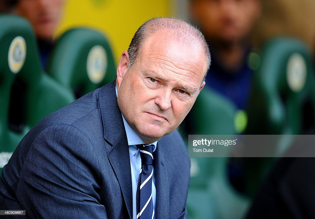 Manager of West Bromwich Albion <a gi-track='captionPersonalityLinkClicked' href=/galleries/search?phrase=Pepe+Mel&family=editorial&specificpeople=3667674 ng-click='$event.stopPropagation()'>Pepe Mel</a> looks on during the Barclays Premier League match between Norwich City and West Bromwich Albion at Carrow Road on April 05, 2014 in Norwich, England.