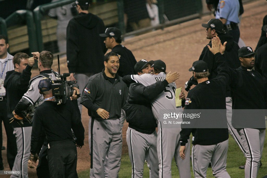 2005 World Series - Chicago White Sox vs Houston Astros - Game 3