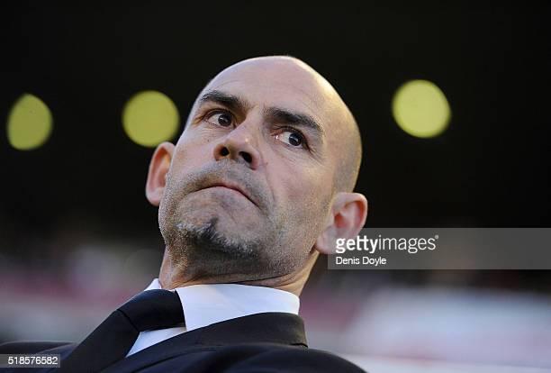 Manager Paco Jemez of Rayo Vallecano de Madrid looks on during the La Liga match between Rayo Vallecano and Getafe CF at Estadio de Vallecas on April...