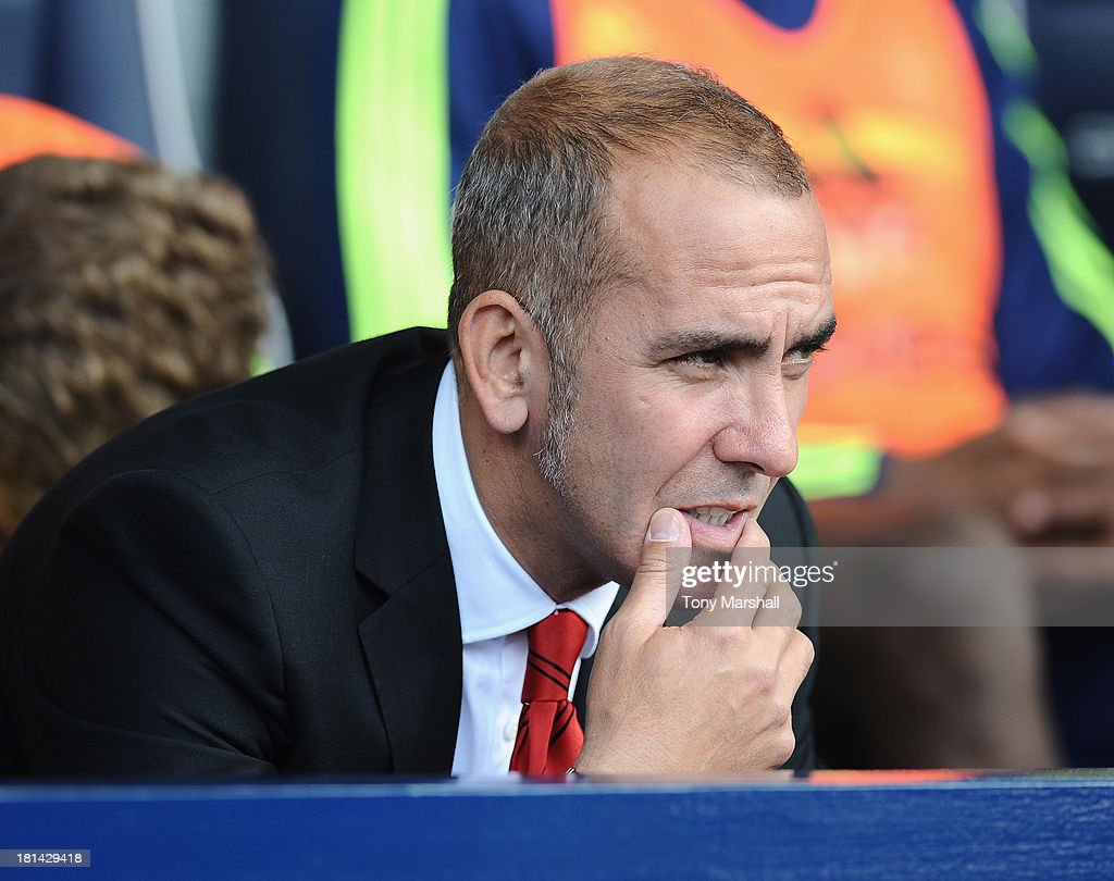 Manager <a gi-track='captionPersonalityLinkClicked' href=/galleries/search?phrase=Paolo+Di+Canio&family=editorial&specificpeople=215237 ng-click='$event.stopPropagation()'>Paolo Di Canio</a> of Sunderland on the bench during the Barclays Premier League match between West Bromwich Albion and Sunderland at The Hawthorns on September 21, 2013 in West Bromwich, England.