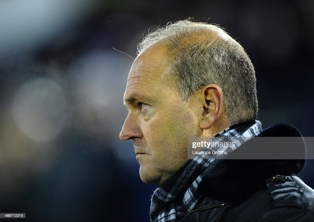 Manager <a gi-track='captionPersonalityLinkClicked' href=/galleries/search?phrase=Pepe+Mel&family=editorial&specificpeople=3667674 ng-click='$event.stopPropagation()'>Pepe Mel</a> of West Brom looks on during the Barclays Premier League match between West Bromwich Albion and Chelsea at The Hawthorns on February 11, 2014 in West Bromwich, England.