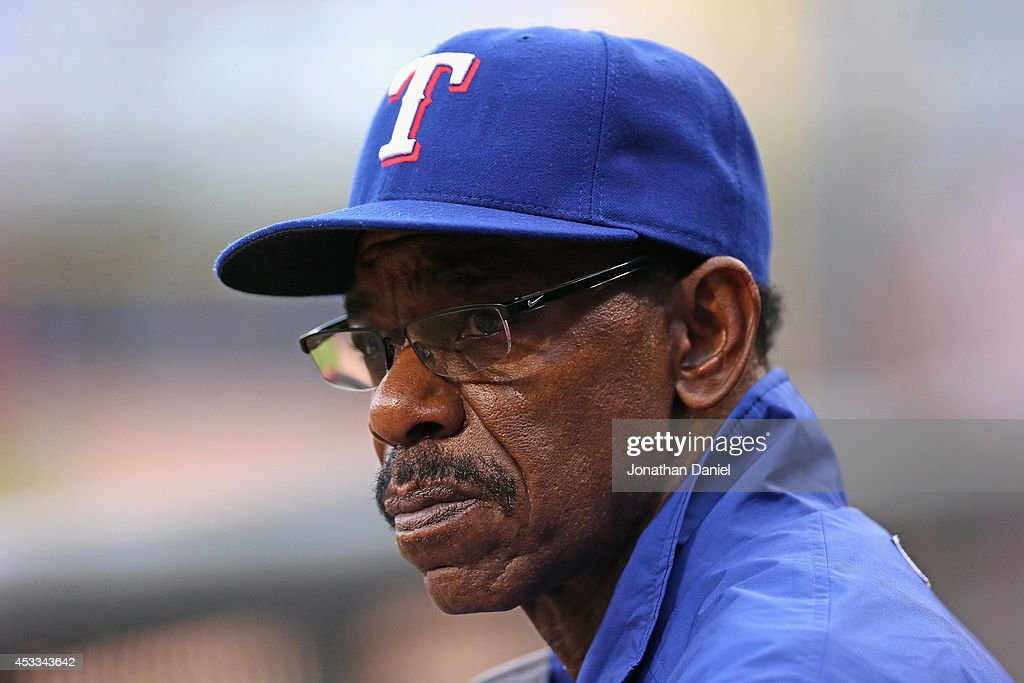 Manager <a gi-track='captionPersonalityLinkClicked' href=/galleries/search?phrase=Ron+Washington&family=editorial&specificpeople=225012 ng-click='$event.stopPropagation()'>Ron Washington</a> #38 of the Texas Rangers watches as his team takes on the Chicago White Sox at U.S. Cellular Field on August 5, 2014 in Chicago, Illinois.