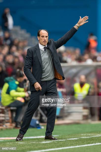 Manager Salvador Gonzalez Voro of Valencia CF during the match Atletico de Madrid vs Valencia CF a La Liga match at the Estadio Vicente Calderon on...