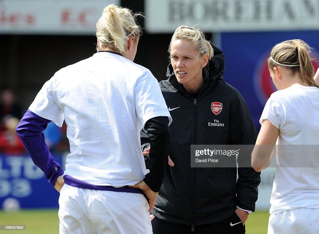 Manager Shelley Kerr (C) of Arsenal Ladies FC talks to Steph Houghton and Jordan Nobbs of Arsenal before the Women's Champions League Semi Final match between Arsenal Ladies FC and VfL Wolfsburg at Meadow Park on April 14, 2013 in Borehamwood, United Kingdom.