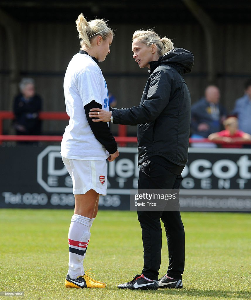 Manager Shelley Kerr (R) of Arsenal Ladies FC talks to Steph Houghton before the Women's Champions League Semi Final match between Arsenal Ladies FC and VfL Wolfsburg at Meadow Park on April 14, 2013 in Borehamwood, United Kingdom.