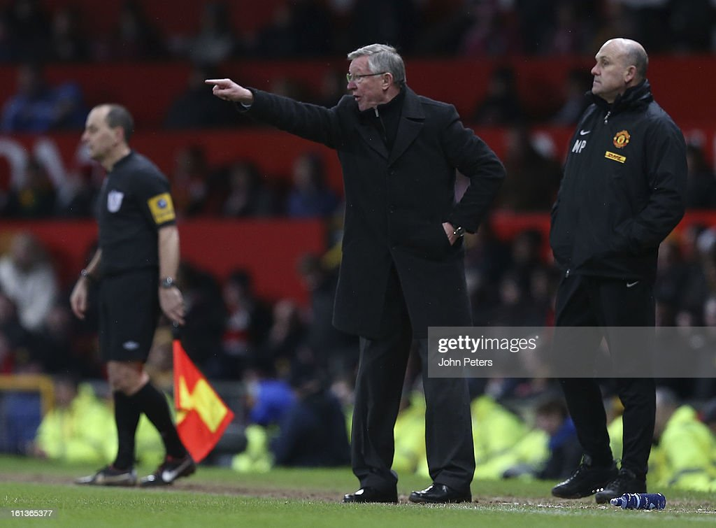 Manager Sir Alex Ferguson of Manchester United shouts instructions from the touchline during the Barclays Premier League match between Manchester United and Everton at Old Trafford on February 10, 2013 in Manchester, England.
