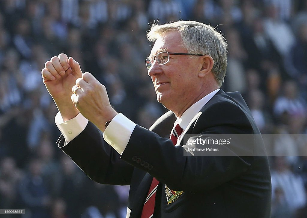 Manager Sir <a gi-track='captionPersonalityLinkClicked' href=/galleries/search?phrase=Alex+Ferguson&family=editorial&specificpeople=203067 ng-click='$event.stopPropagation()'>Alex Ferguson</a> of Manchester United waves goodbye to the fans after the Barclays Premier League match between Wet Bromwich Albion and Manchester United at The Hawthorns on May 19, 2013 in West Bromwich, England.