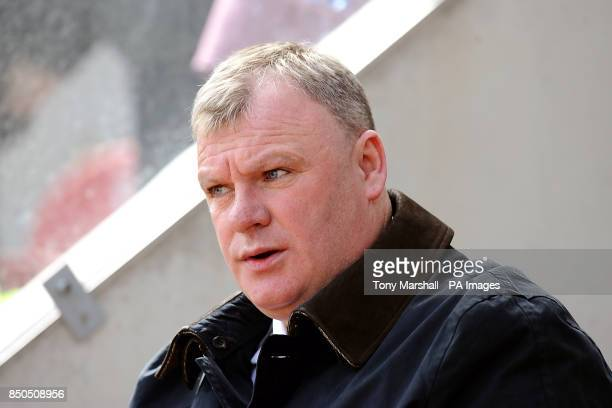 Manager Steve Evans Rotherham United