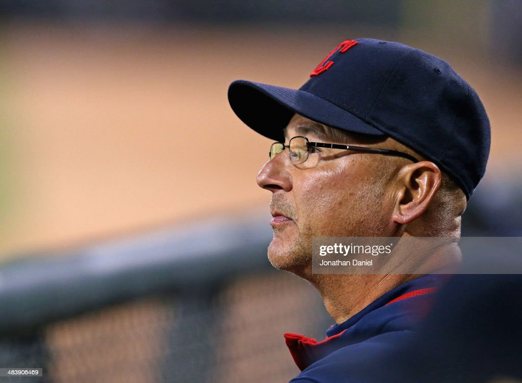Manager <a gi-track='captionPersonalityLinkClicked' href=/galleries/search?phrase=Terry+Francona&family=editorial&specificpeople=171936 ng-click='$event.stopPropagation()'>Terry Francona</a> #17 of the Cleveland Indians watches as his team takes on the Chicago White Sox at U.S. Cellular Field on April 10, 2014 in Chicago, Illinois.